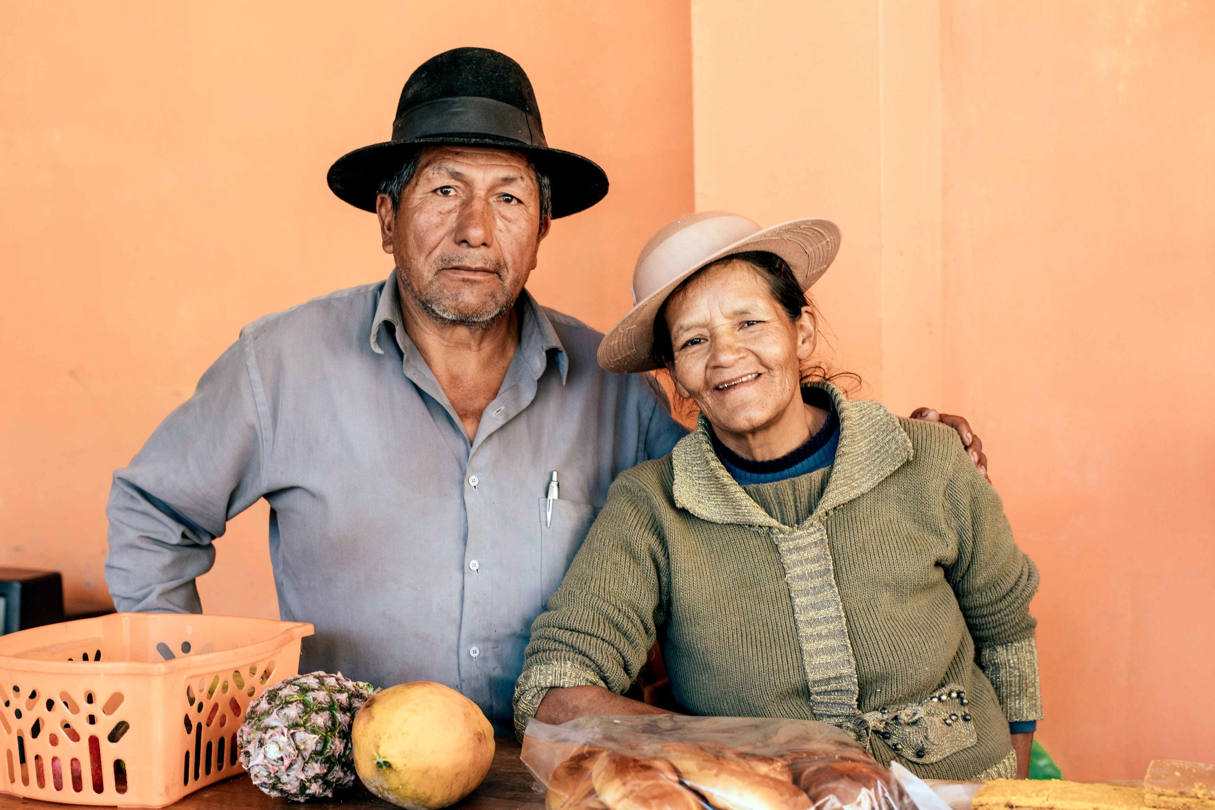 Peru couple on orange background